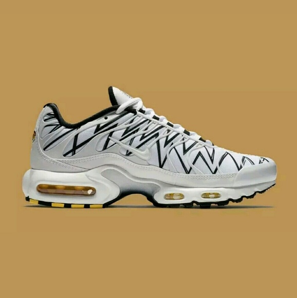 top design best shoes well known Nike Air Max Plus TN Tuned 1 La Requin AJ6311-100